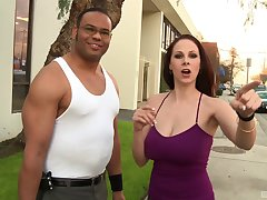 Busty pornstar Gianna Michaels drops say no to panties to be fucked