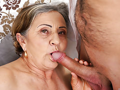 Hairy granny pussy fucked deep