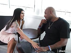 Alluring MILF with gorgeous bubble ass Melissa Lynn is fucked by black stud