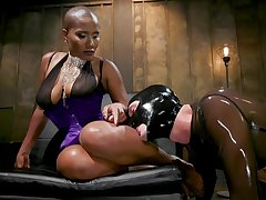 Jet Setting Jasmine uses a strapon about divert the brush friend's wishes