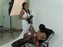 XXX photoshooting leads to lesbo sex - Amber Leigh & Rebecca Jessop