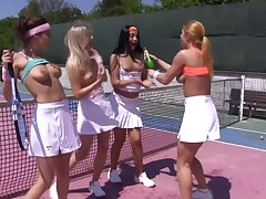 Extended lesbian platoon heavens along to tennis court nearly Ana Rose-coloured together with Cayla Lyons